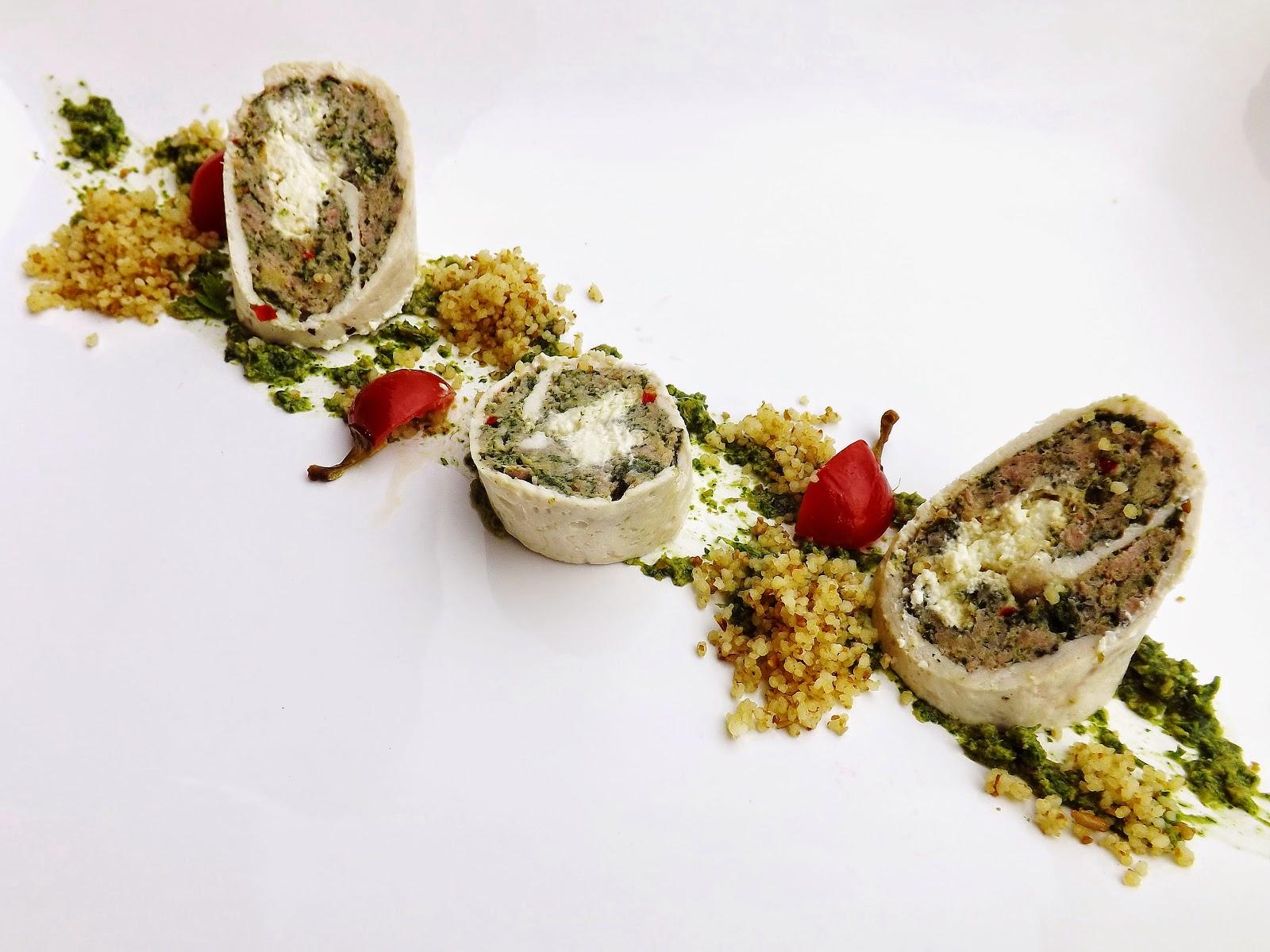 Rolada kolorowa na pesto pietruszkowym z kuskusem