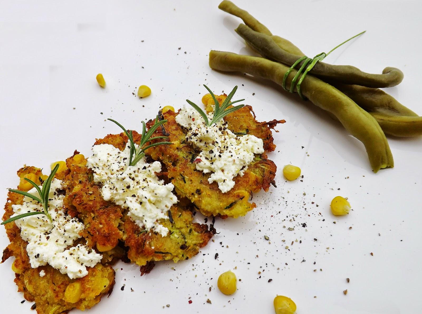 Placki warzywne pod białą kołderką