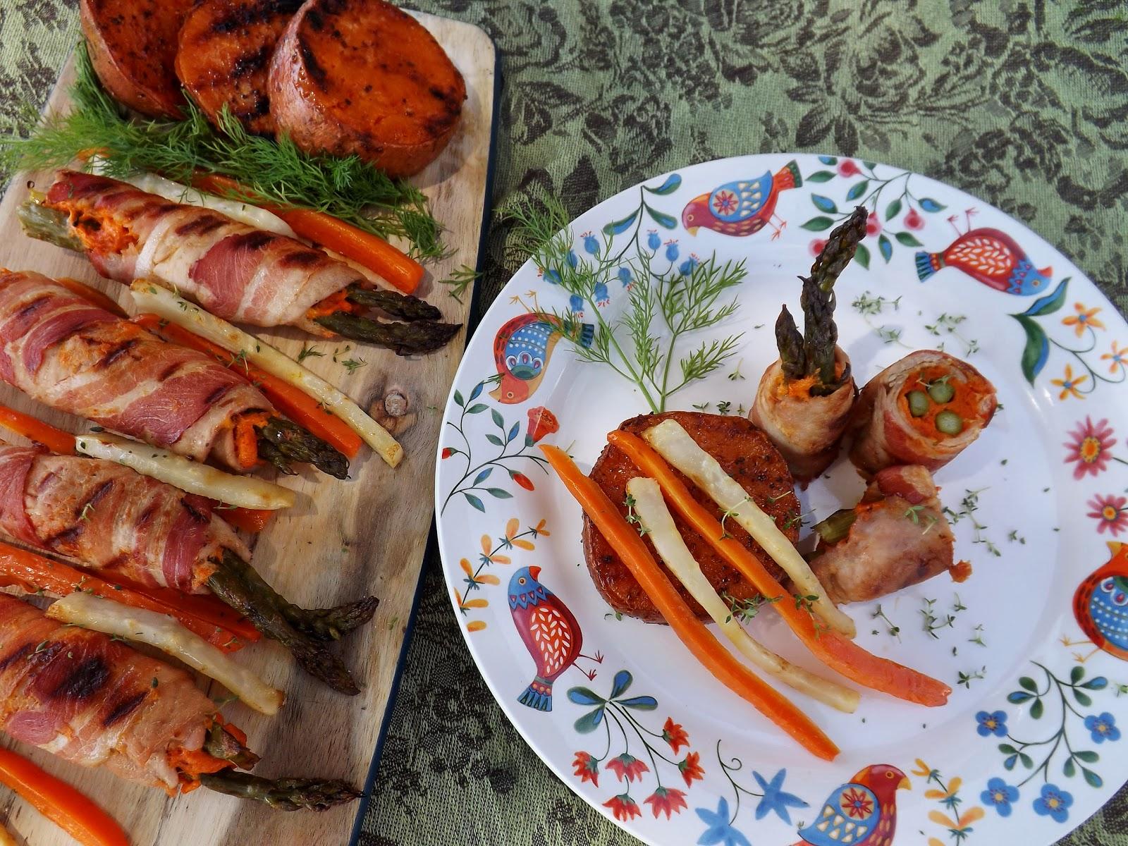 Grillowany szparagi w roladzie mięsnej z batatami