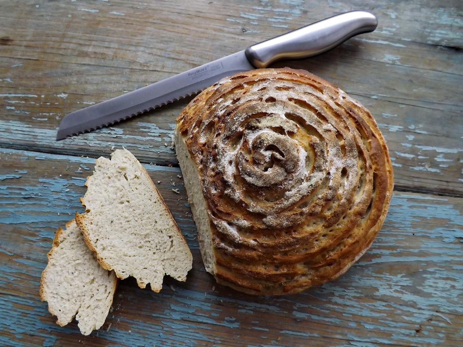 Chleb pszenno żytni z czosnkiem niedźwiedzim i pieprzem