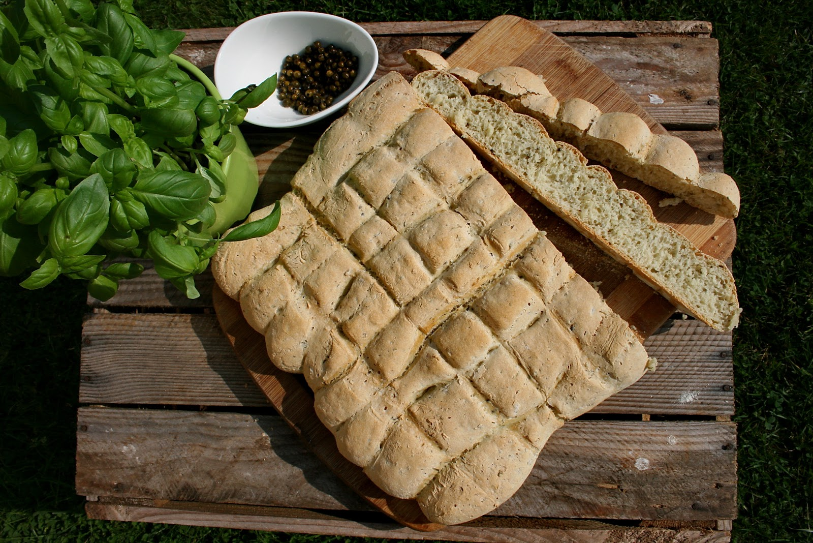 Płaski chlebek z pieprzem zielonym