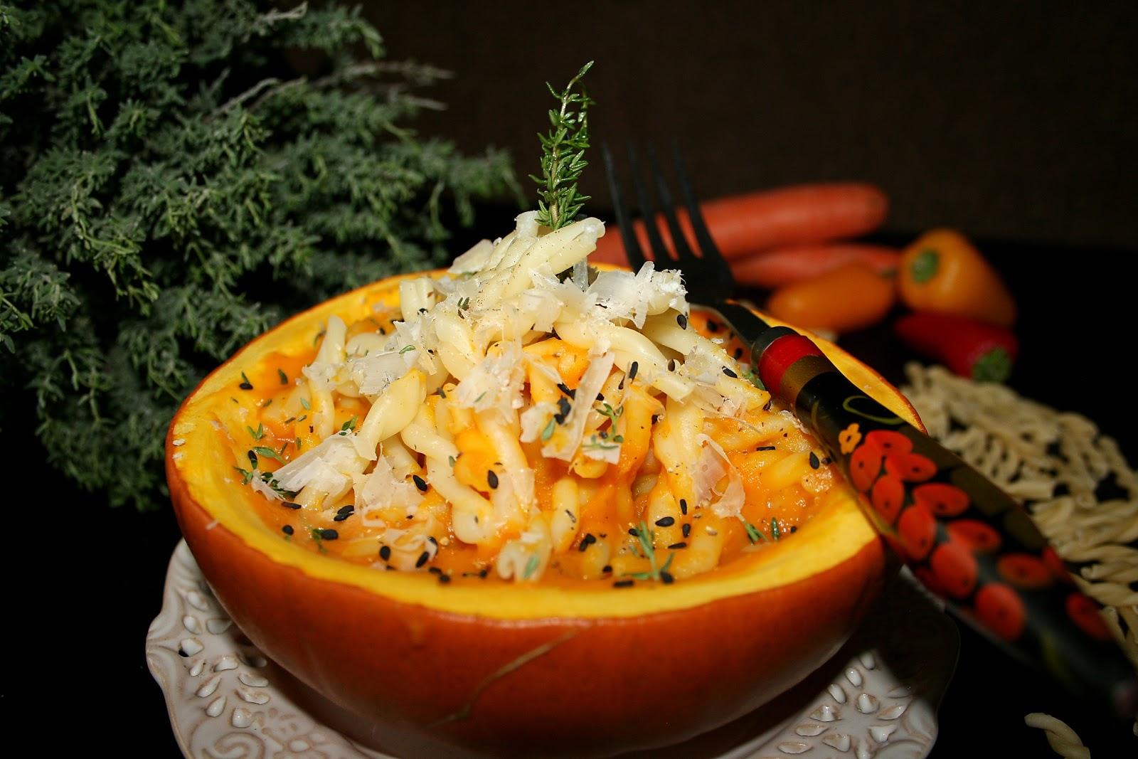 Makaron w sosie dyniowym (z pieczonych warzyw)