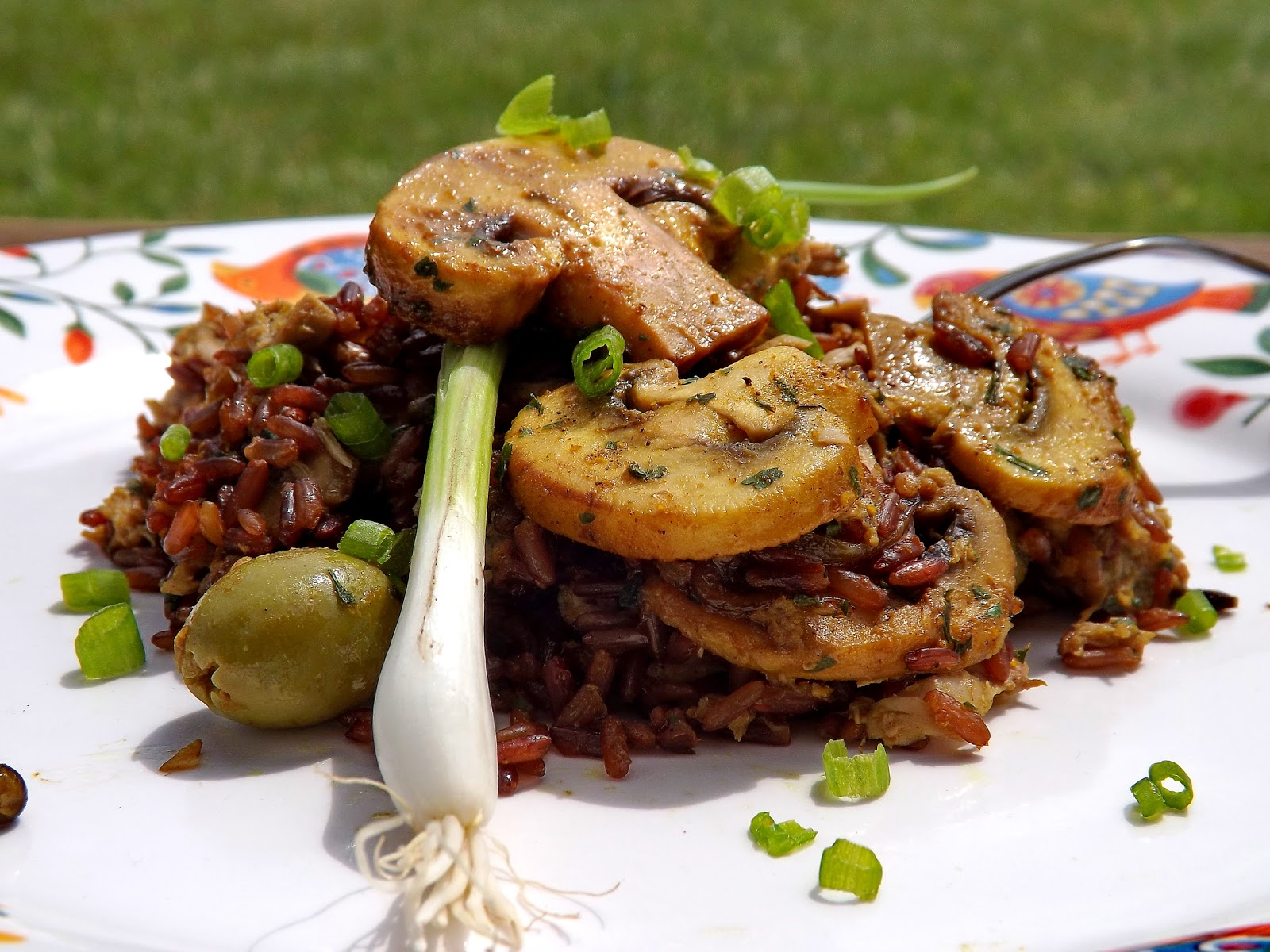 Czerwony ryż z tuńczykiem i pieczarkami curry