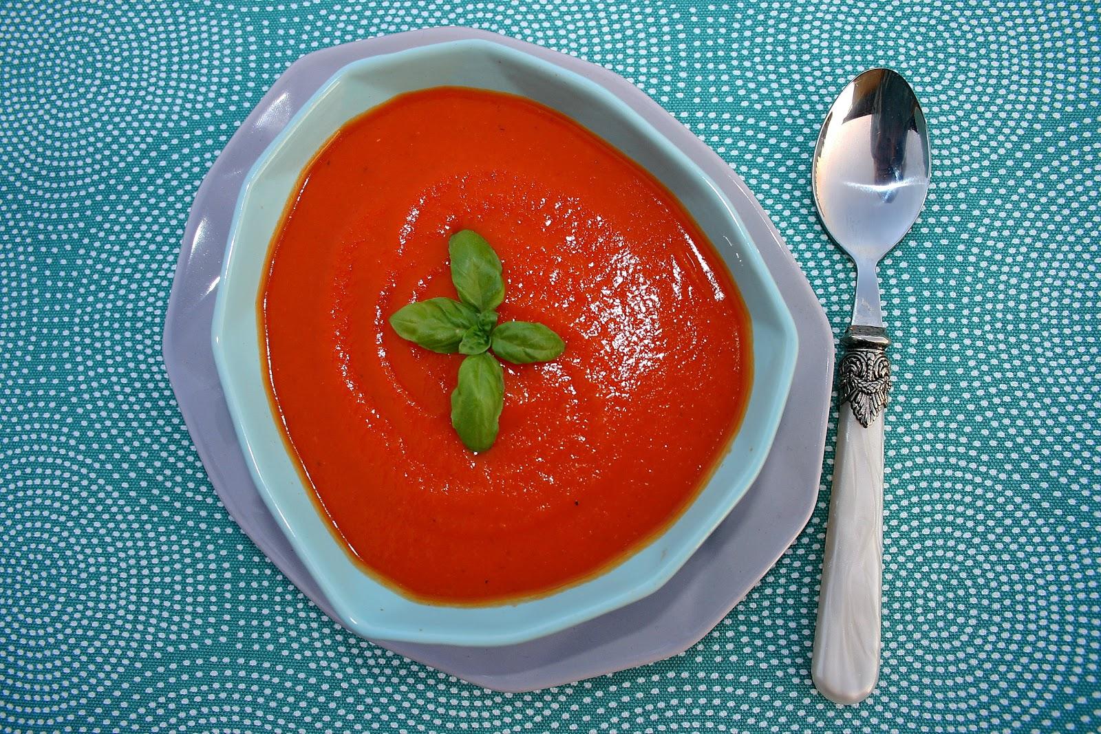 Zupa krem z pomidorków koktajlowych i batata, na ostro o nucie wędzonej papryki