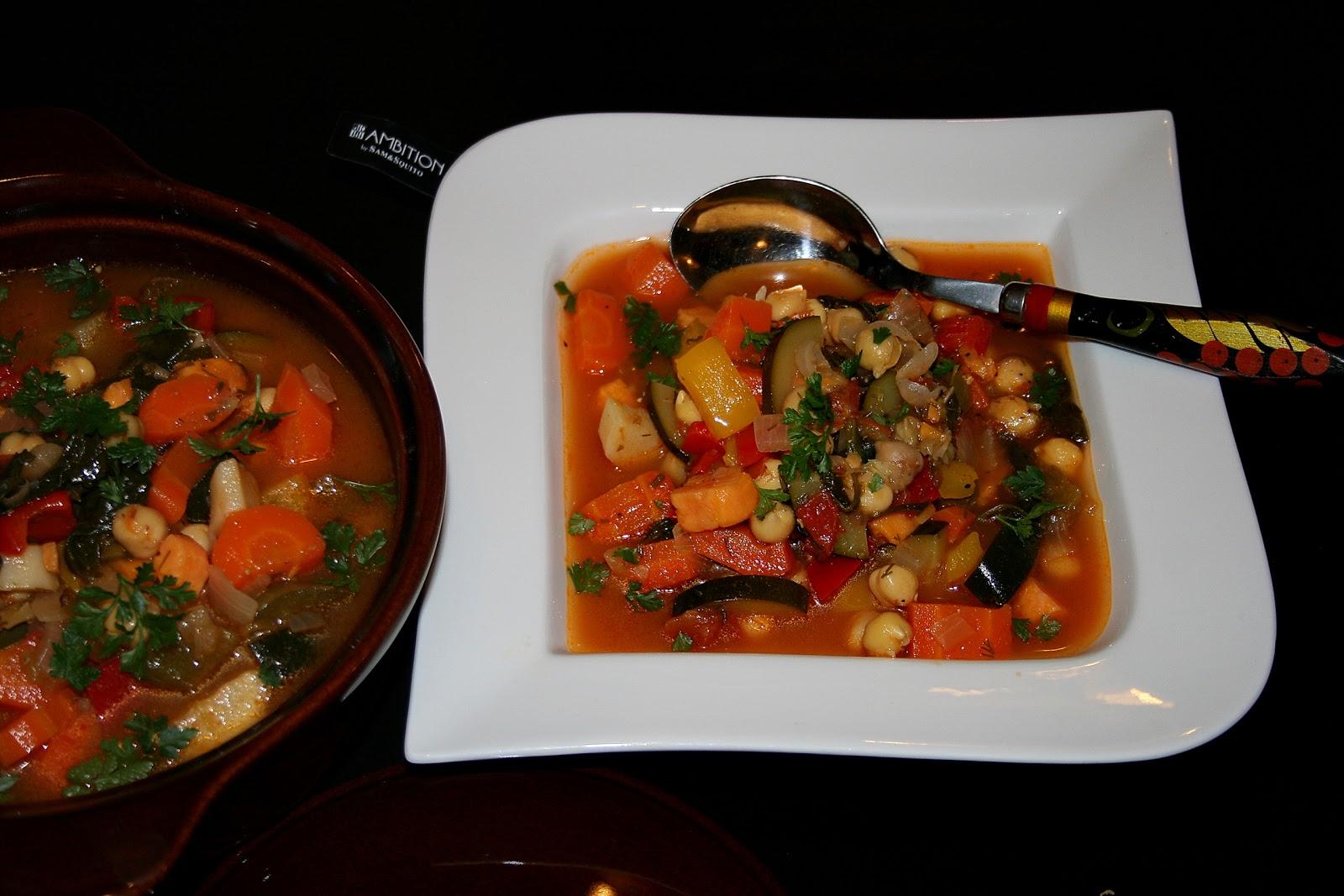 Zupa warzywna kolorowa, smaczna, zdrowa