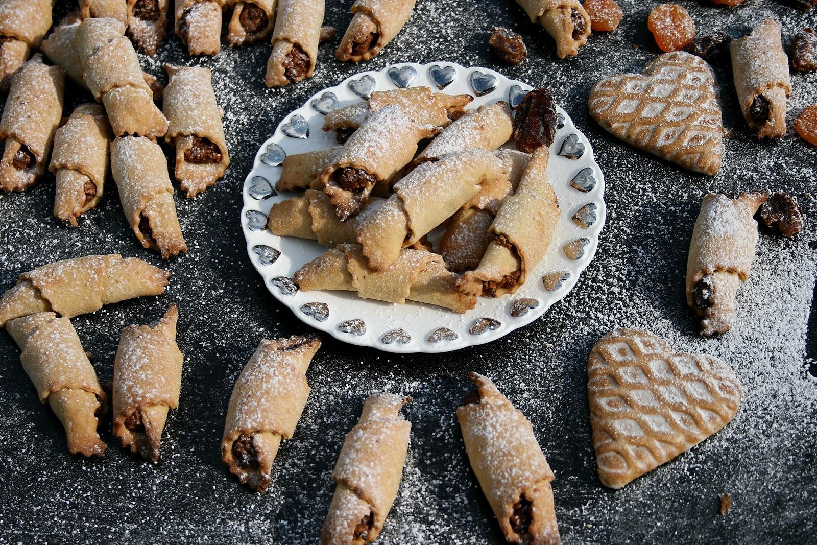 Ciasteczka z nadzieniem piernikowo – owocowym, z nutą cynamonu