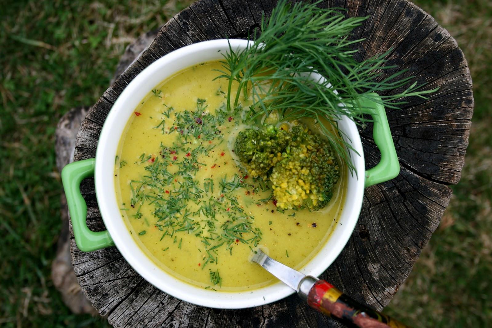 Zupa krem z groszku i brokuła – zielono mi