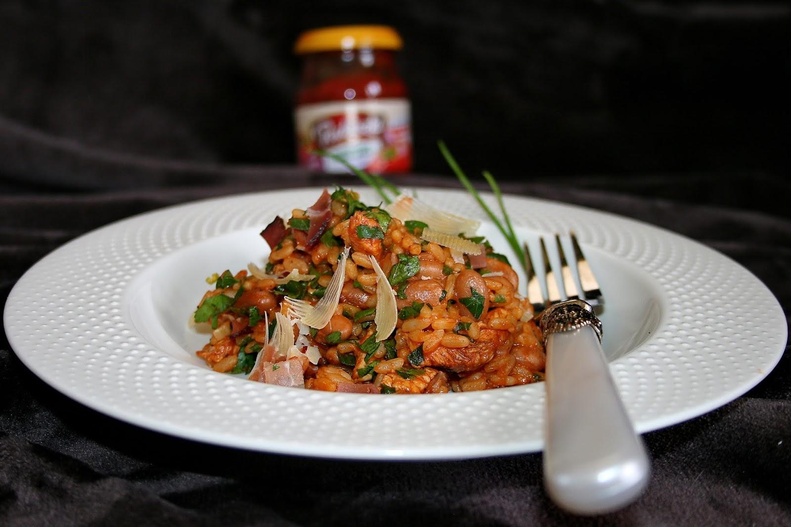 Risotto pomidorowe – mięsno fasolowe