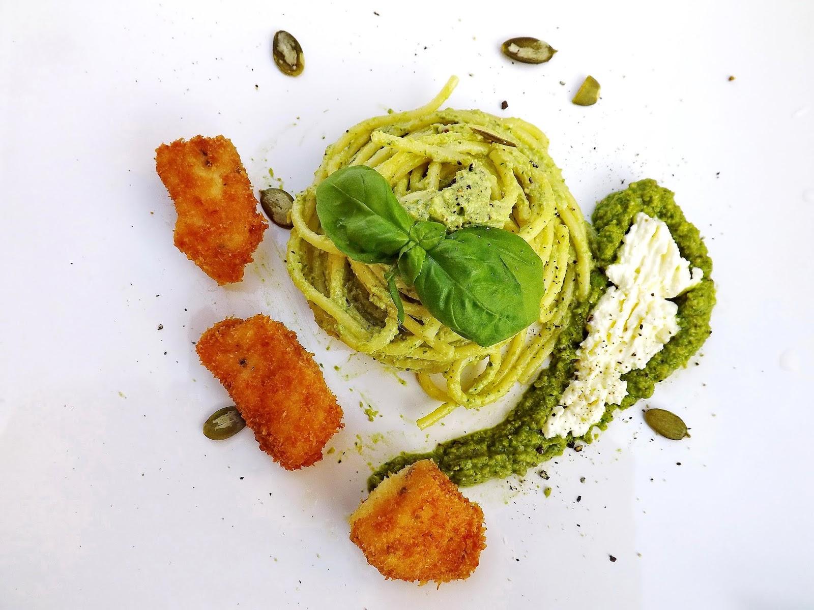 Zielone spaghetti z kokosowym kurczakiem