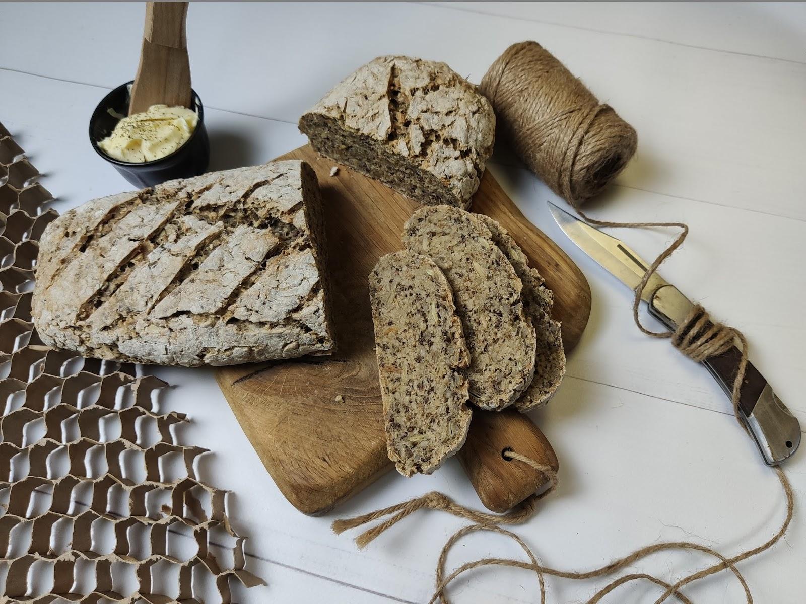Chleb żytnio razowy z 4 ziarnami