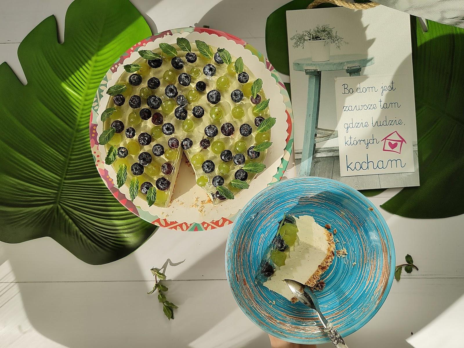 Sernik na zimno waniliowy i z matach (zieloną herbatą)