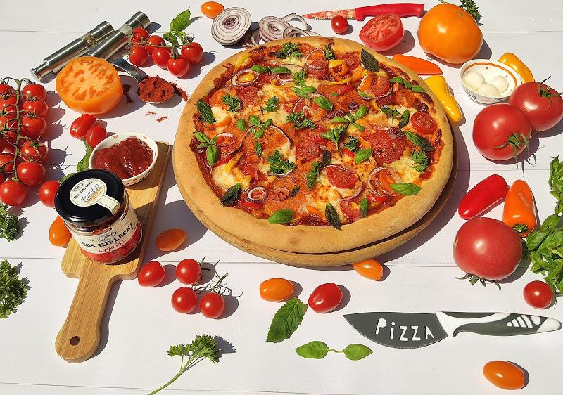Pizza cygańska z mozzarellą