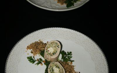 Rolada z kurczaka, z prażonym kuskusem na pesto pietruszkowym