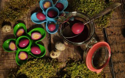 Jajka przepiórcze na różowo